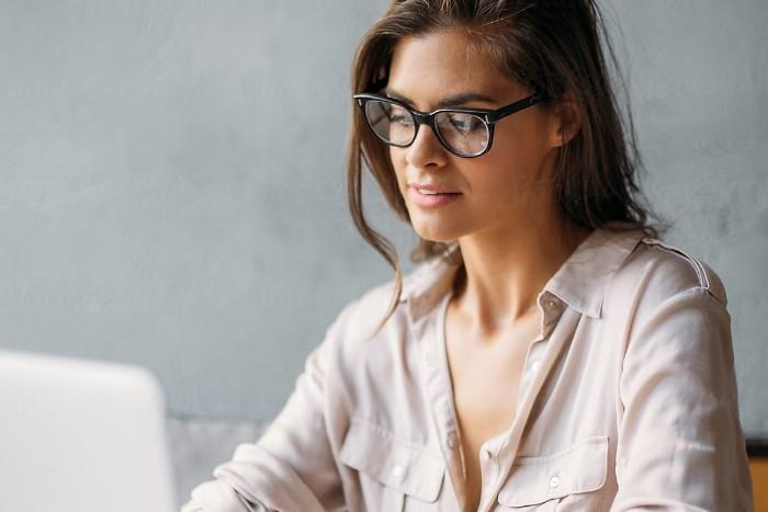 Image of lady on laptop